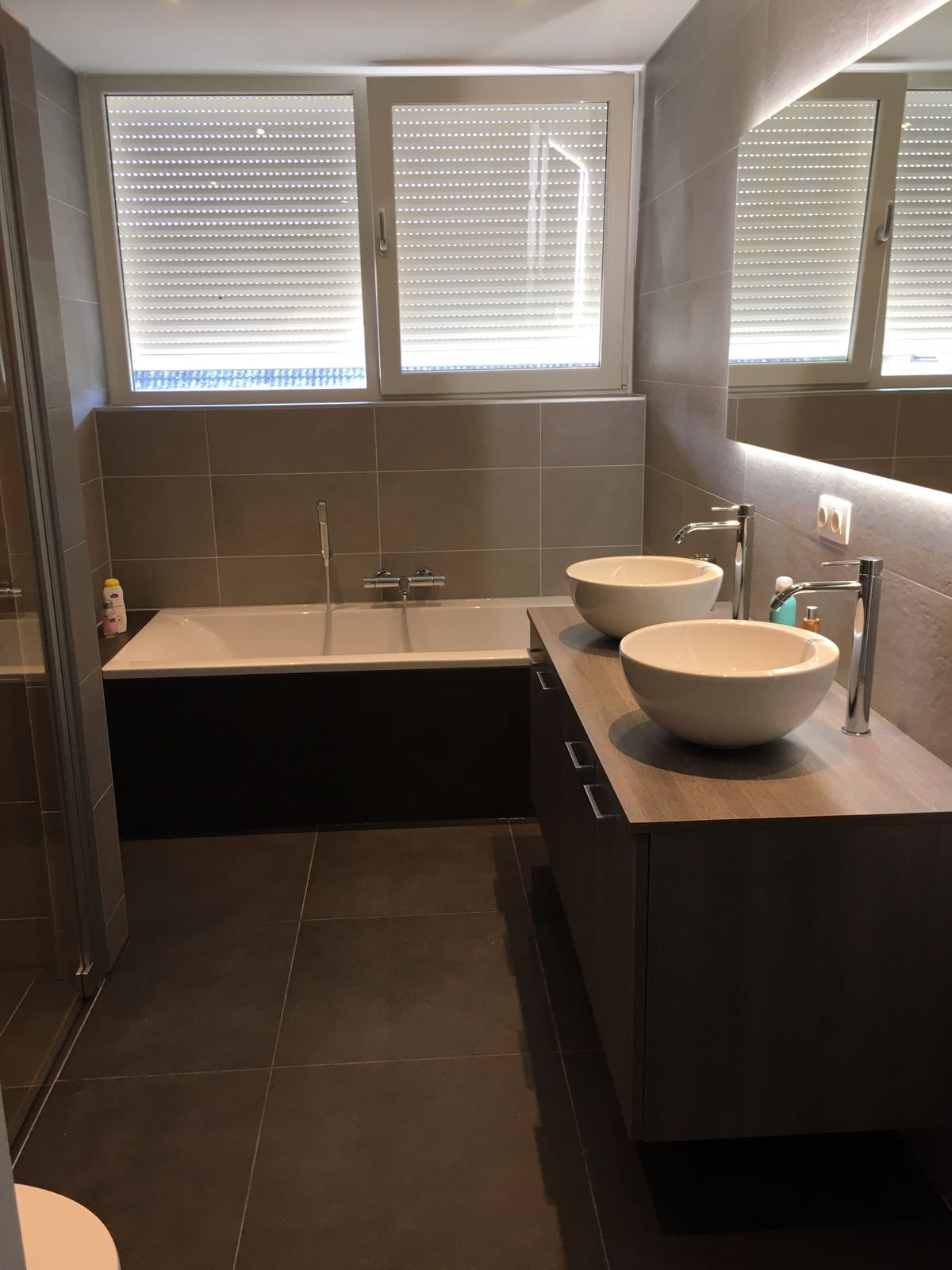 Beautiful Badkamer Met Dakkapel Images - Moderne huis - clientstat.us